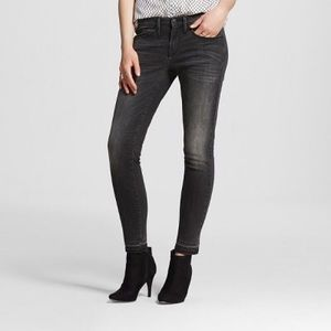 MOSSIMO MID RISE BLACK SKINNY JEANS